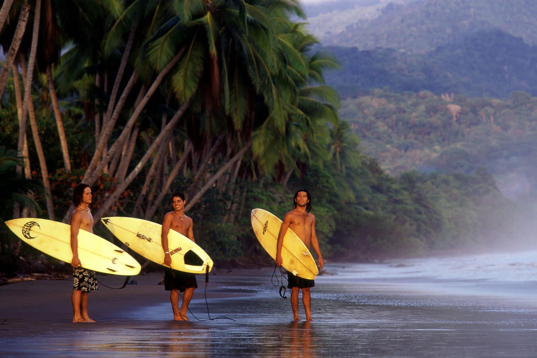 Le surf au Costa Rica